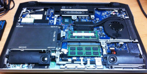 E6220-bottom-SSD256-thumb-640x324-65
