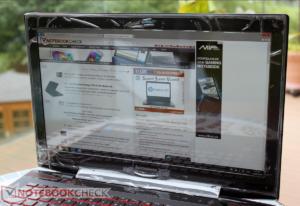 Lenovo Y50-70 - UHD displej na slunci